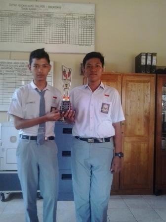 Juara 2 Lomba Debat Bahasa Indonesia